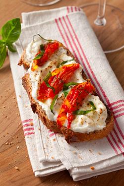 Bruschetta à la brandade de Nîmes et tomates séchées